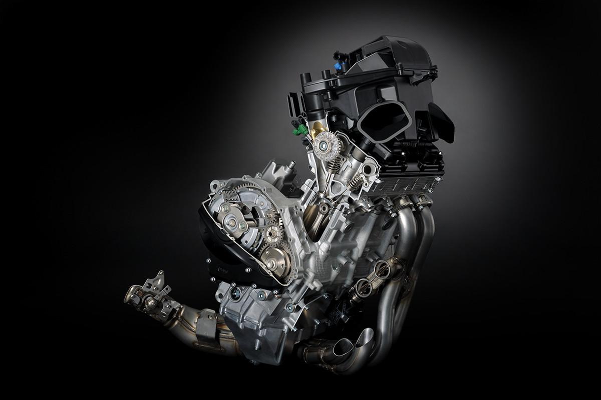 Imagem em 3D do motor da GSX-R1000 em fundo escuro