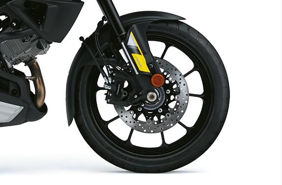Imagem com roda dianteira da V Strom 1000 a em alumínio
