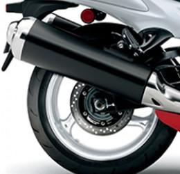 Imagem dos freios traseiros da Hayabusa e dos pneus Bridgestone