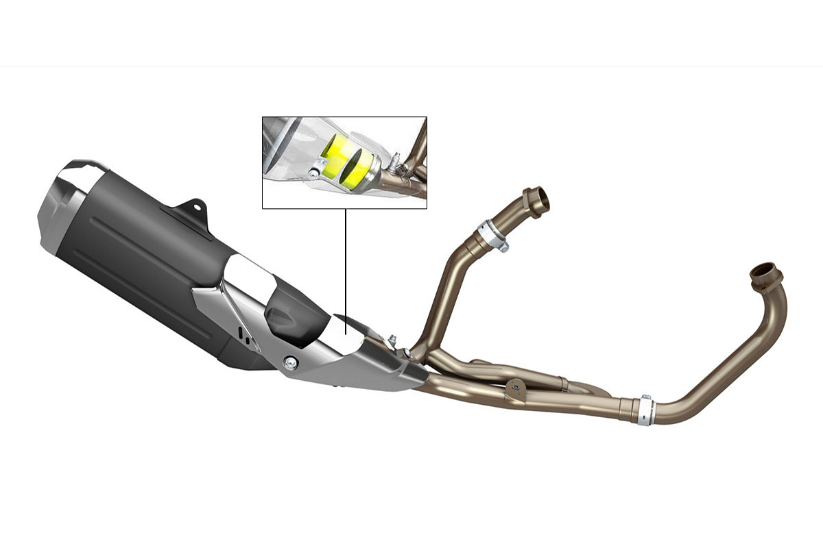 Imagem em 3D do sistema de exaustão da V Strom 650 XT em um fundo branco
