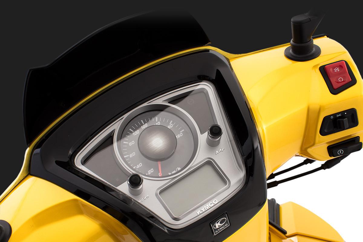 imagem do painel desligado da People GTi 300 ABS Amarela