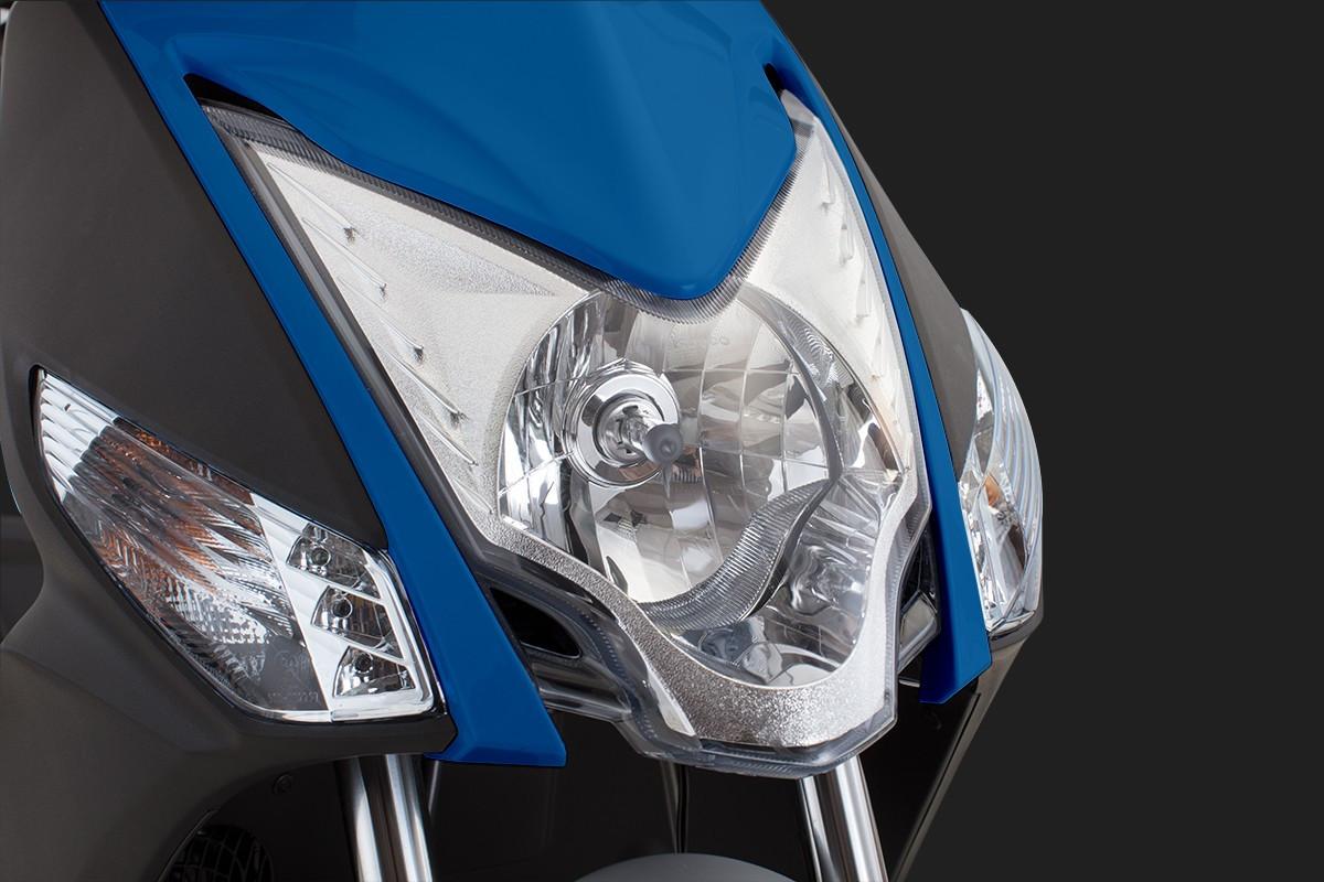 foto do farol da Agility 16+200 i Azul em um fundo preto